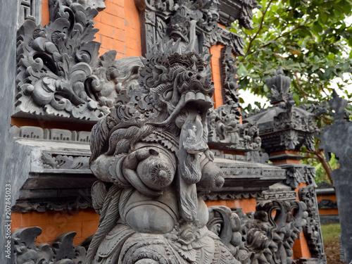 Plexiglas Bali Hindu temple with statues of the gods on Bali island, Indonesia. Balinese Hindu Temple, old hindu architecture, Bali Architecture, Ancient design