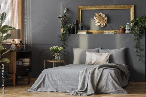 Leinwanddruck Bild Grey bedding and blanket