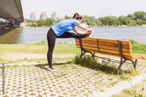 Plexiglas Fitness Fitness Woman doing workout outdoor