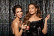 Leinwanddruck Bild Girls at a party. Hollywood stars. Celebrating.