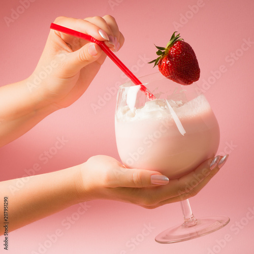 Fotobehang Milkshake strawberry milkshake drink