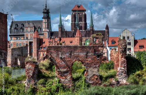 Foto Murales City view of Gdansk, Poland, St. Mary's Church..
