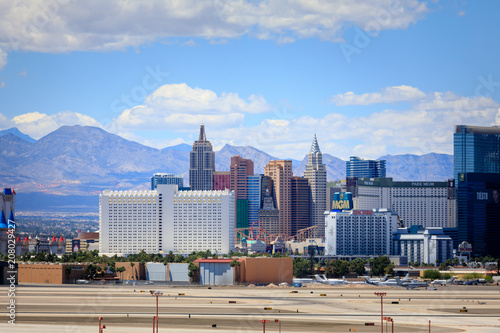 Fotobehang Las Vegas Vegas Strip, 3.8 mile stretch featured with world class hotels and casino in Las Vegas, Nevada