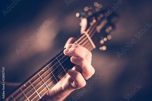 Leinwanddruck Bild Learning Acoustic Guitar