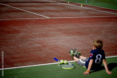 Fotobehang Tennis jeune tennisman - pause
