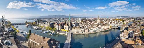 Leinwanddruck Bild Zürich Stadtpanorama mit Blick über die Dächer der Altstadt, Schweiz
