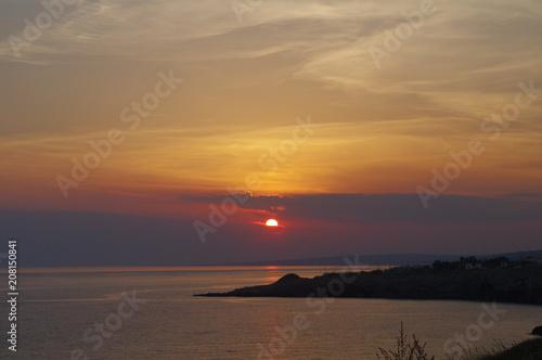 Fotobehang Zee zonsondergang Puglia,salento,tramonto,mare,orizzonte,sera,estate,paesaggio,veduta,panorama