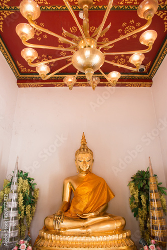 Fotobehang Boeddha Golden Buddha statue