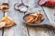 Gemüsechips Chips Gemüse selbstgemacht Holz Löffel rustikal