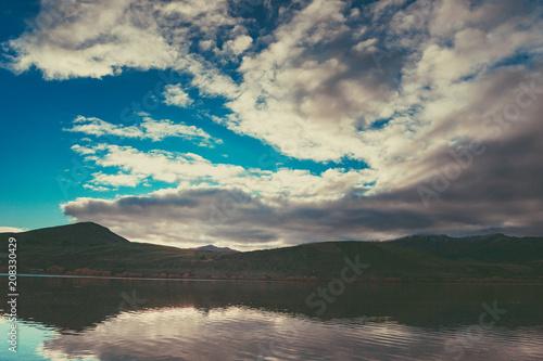 Fotobehang Beige Autumn in Lake Hayes, Queenstown New Zealand landscape