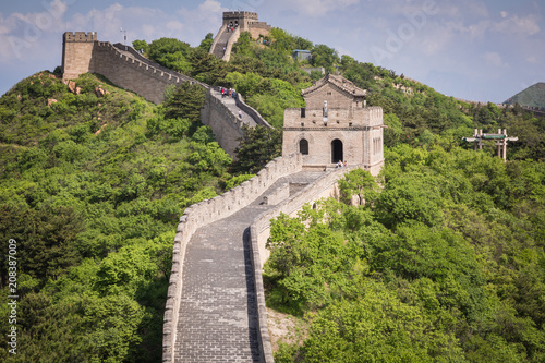 Foto Spatwand Peking Panoramic view of Great Wall of China at Badaling in the mountains in the north of the capital Beijing.