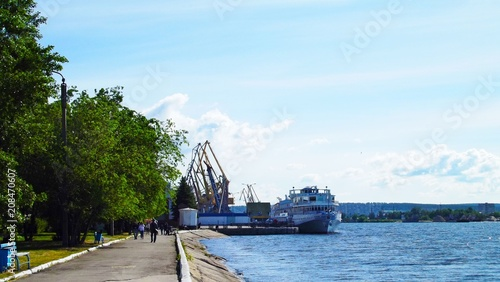 Foto Murales Ship in the river port.Beautiful view.