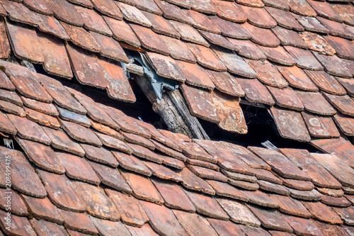 Wall mural Beschädigtes Dach