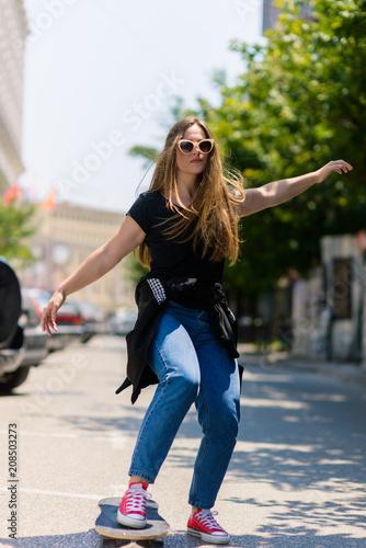 Aluminium Skateboard Portrait of beautiful teenage girl with skateboard