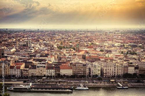 Fotobehang Boedapest Budapest and the Danube river at morning sunlight