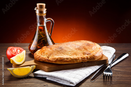 Pizza calzone - 208580049