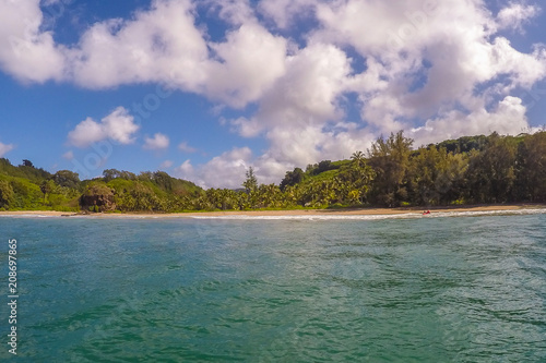 Fotobehang Tropical strand Peaceful island beach