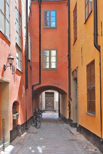 Fotobehang Stockholm Narrow street of Old Stockholm