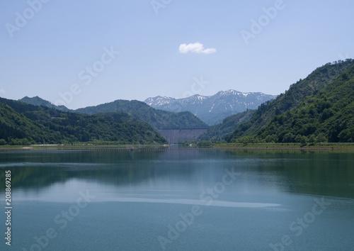 Foto Murales 夏の田子倉湖