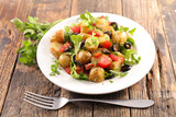 potato salad with tomato