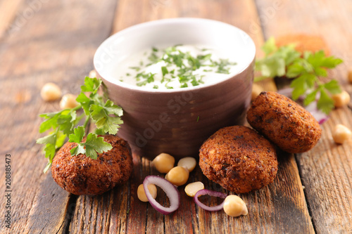 falafel and dip - 208885473