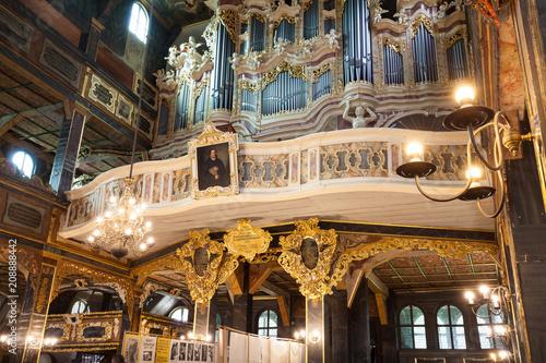 Ozdoby i wystrój wnętrza kościoła Pokoju w Świdnicy. Architektura barokowa w ramie drewnianej. Dziedzictwo UNESCO