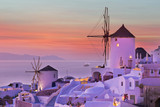 The famous sunset at Santorini in Oia village - 208892488