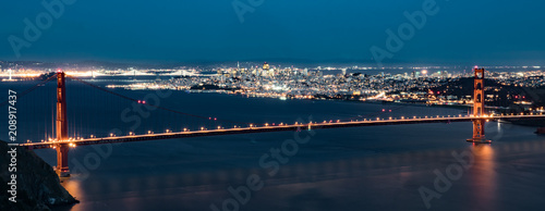 Fotobehang San Francisco San Francisco California Skyline with Golden Gate Bridge