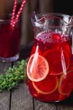 Iced lemonade with lemons - 208924455