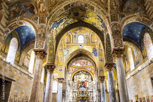 Fotobehang Palermo The vault decorated with beautiful Byzantine mosaics of the 12th century and the newer part is decorated with later frescoes the 18th century in the Martorana church.