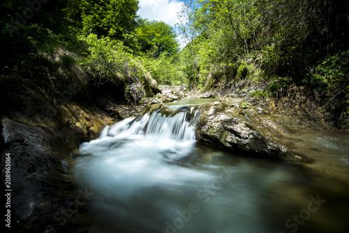 cascata nelle Alpi italiane - 208963064