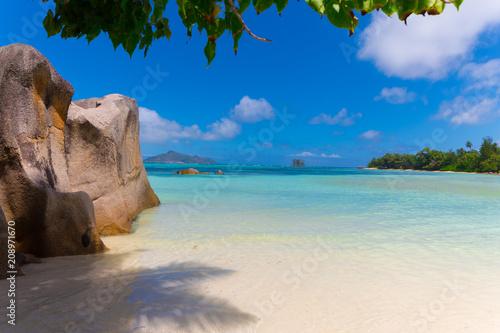 Fotobehang Tropical strand Islas Seychelles