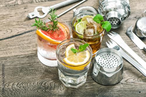 Fotobehang Sap Fruit drinks lemonade ice mint leaves