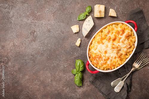 Leinwanddruck Bild Mac and cheese, american style pasta