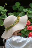 Woman with straw hat - 209086482
