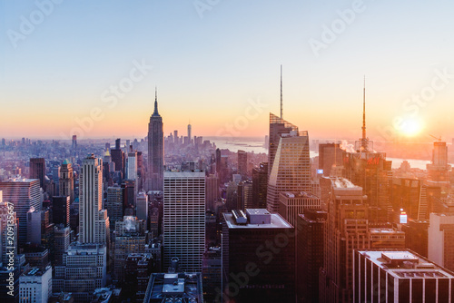 Foto Murales Downtown view of NYC at sunset