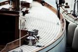 détails bateau yacht classique - 209177876