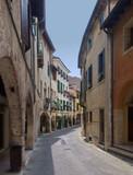 Bergstädtchen Asolo in Venetien / Itlien - 209184467