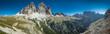 Panorama von Berglandschaft bei Sonenschein und blauem Himmel , Dolomiten, Drei Zinnen - 209192471