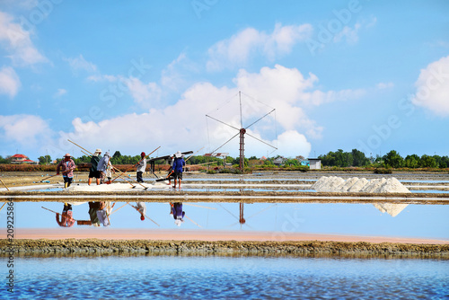 Fotobehang Thailand Salt making in Thailand