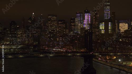Aluminium Brooklyn Bridge AERIAL: The two bridges lit up at night connecting Brooklyn & downtown Manhattan
