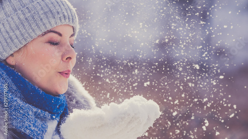 Foto Murales Female wearing warm outfit during winter