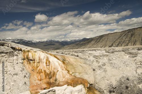 Fotobehang Beige Mammoth Hot Springs; Yellowstone NP; Wyoming