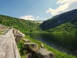 Podróż przez Sudety, Mały Staw pod Równią pod Śnieżką w Karkonoszach - piękna polodowcowa dolina - 209417271