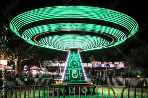 Fotobehang Amusementspark Amusement Park ride- green