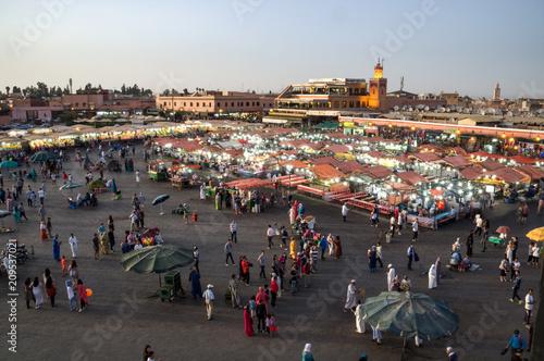 Fotobehang Marokko Jemaa el Fna square in Marrakesch, Marokko