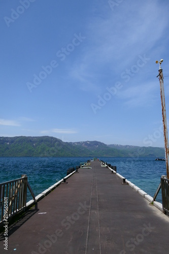 Canvas Pier 初夏の十和田湖。十和田 青森 日本。5月中旬。