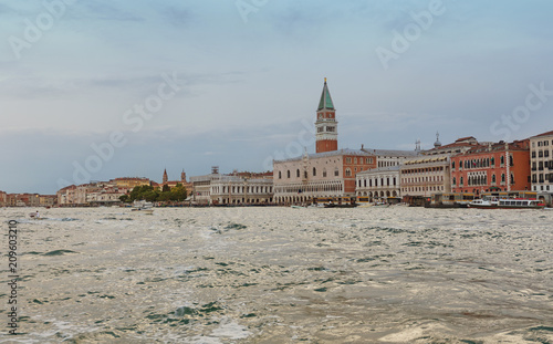 Venice / View of the river and city historical architecture - 209603210