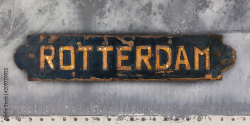 In de dag Rotterdam Ship plate with an imprint of the Dutch city of Rotterdam