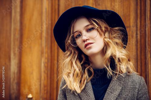 Sticker pretty woman in hat